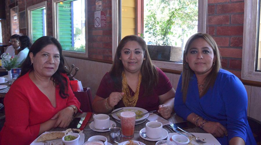 Buenos deseos regalan amigas a Paty, por su cumpleaños | El Imparcial de Oaxaca