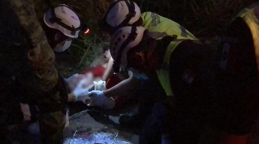 Ebrio es arrollado por camión pasajero en Juchitán
