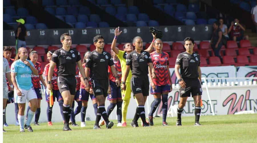 Itzel Hernández debuta en la Liga MX Femenil