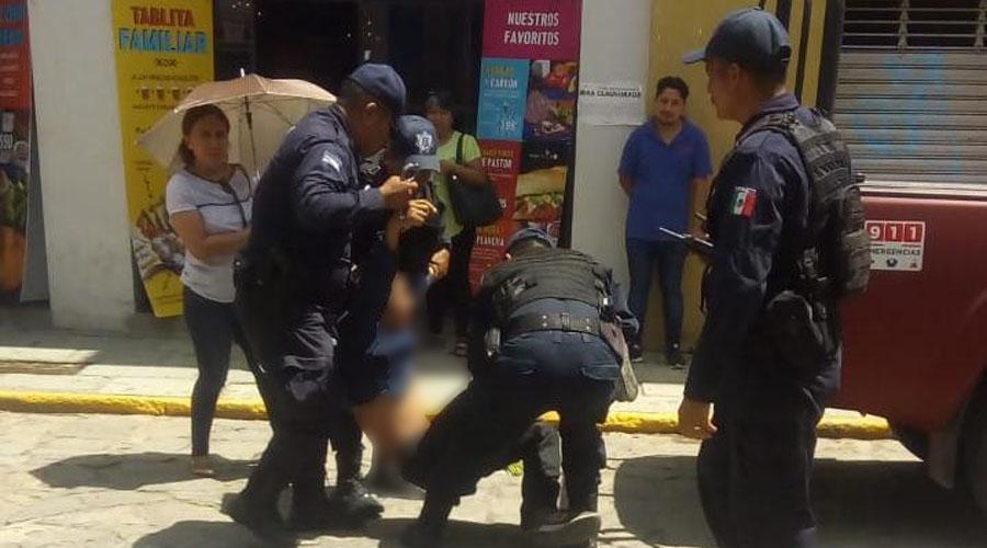 Lo atrapan al tratar de robarle a mujer en el Centro Histórico   El Imparcial de Oaxaca