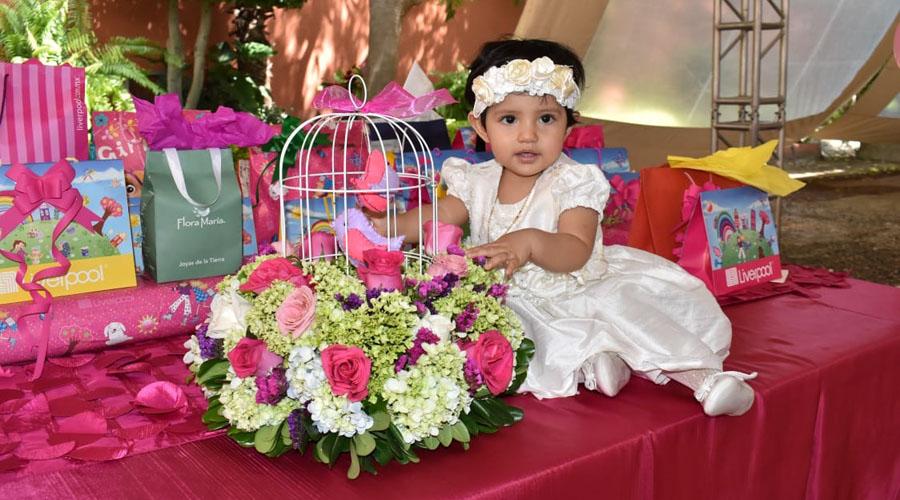 Paulina Yulie es bautizada