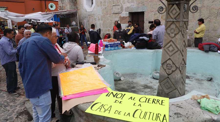 Paristas reabren Casa de la Cultura; niegan acceso a director | El Imparcial de Oaxaca