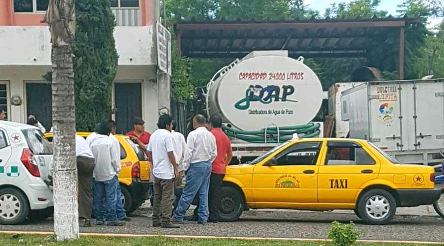 Conato de bronca entre taxistas en Huajuapan