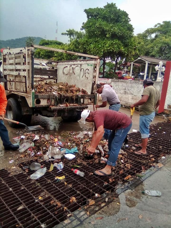 Basura en las calles causa inundaciones en Salina Cruz | El Imparcial de Oaxaca