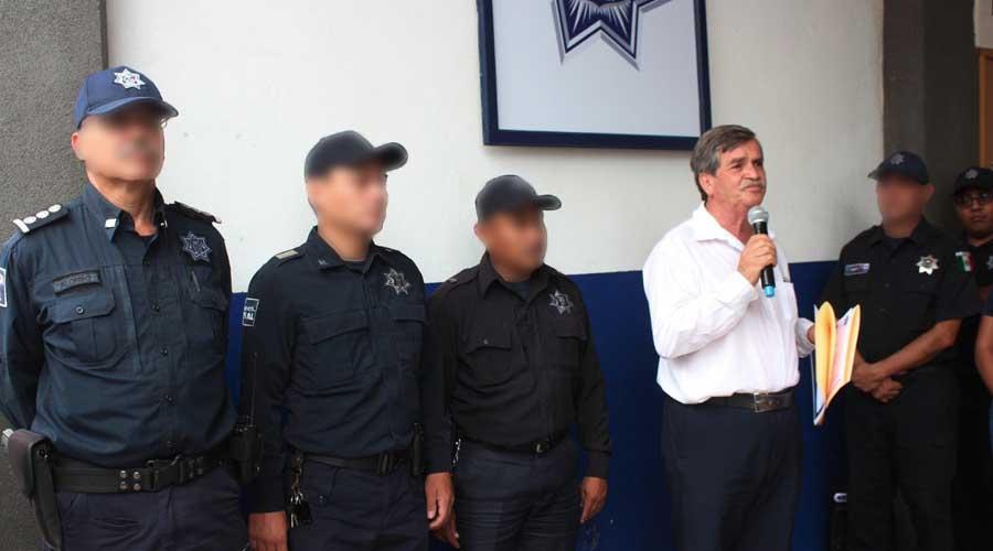 Reconocen honestidad de policía vial municipal de Oaxaca de Juárez