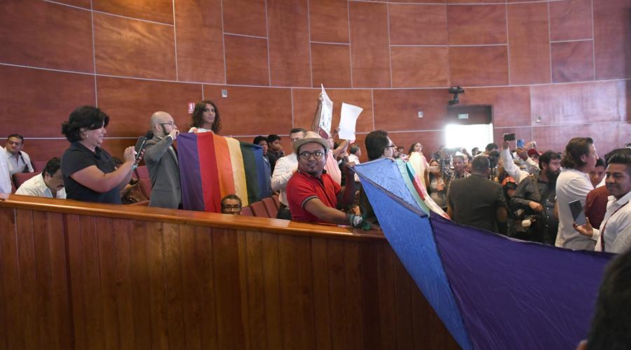 """""""Salir del clóset"""" vs la """"familia original"""", el día en que se aprobó el igualitario en Oaxaca"""