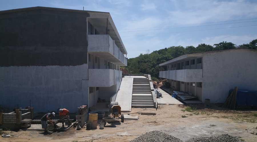 A paso lento la construcción del CETMAR 37