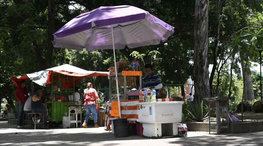 Aumentan los puestos ambulantes en Oaxaca