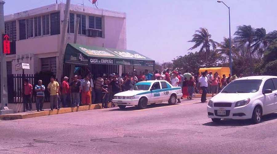 Taxistas del Istmo celebrarán su día en medio de robos y homicidios | El Imparcial de Oaxaca
