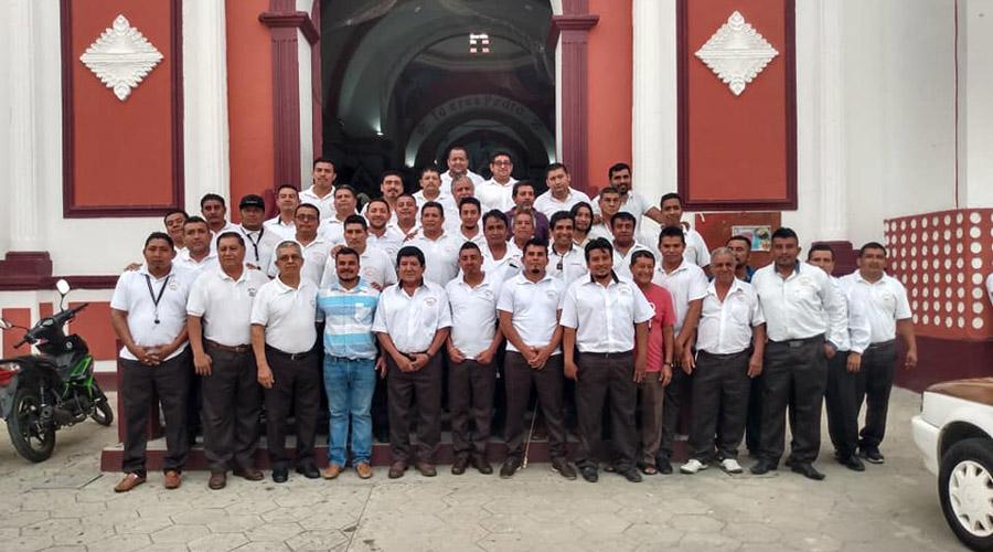 Celebran Día del Taxista en Pochutla | El Imparcial de Oaxaca