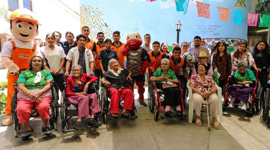 Alebrijes de Oaxaca se inspiran con adultos mayores | El Imparcial de Oaxaca