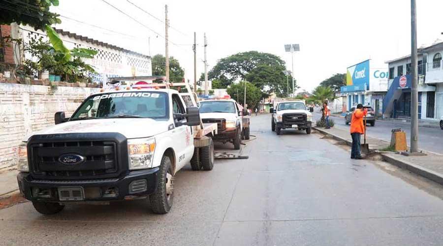 Contrarrestan problema de aguas negras en Salina Cruz