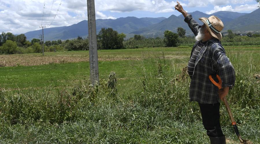 Abandona CFE a campesinos del valle eteco