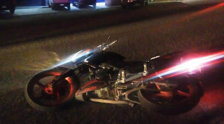 Auxilian a motociclista accidentado en la carretera | El Imparcial de Oaxaca