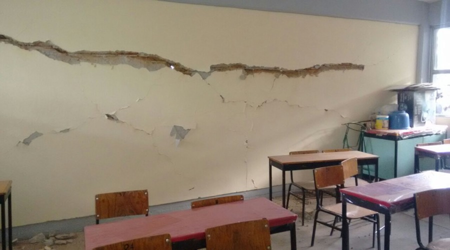 Escuelas  de la Mixteca, con daños en salones