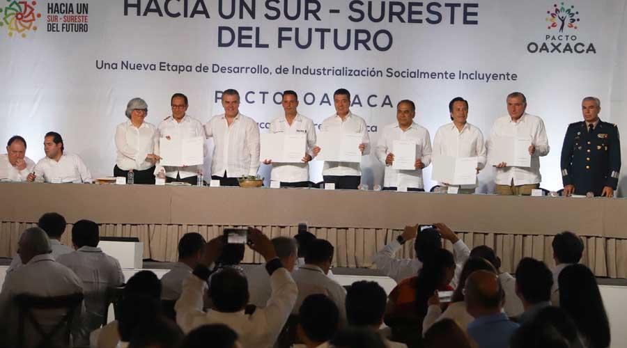 Firman Pacto Oaxaca, unirán esfuerzos para levantar el sur de México