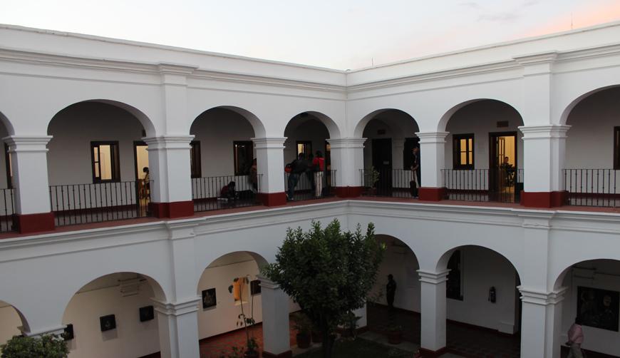 Paristas reabren Casa de la Cultura Oaxaqueña; niegan acceso a director | El Imparcial de Oaxaca