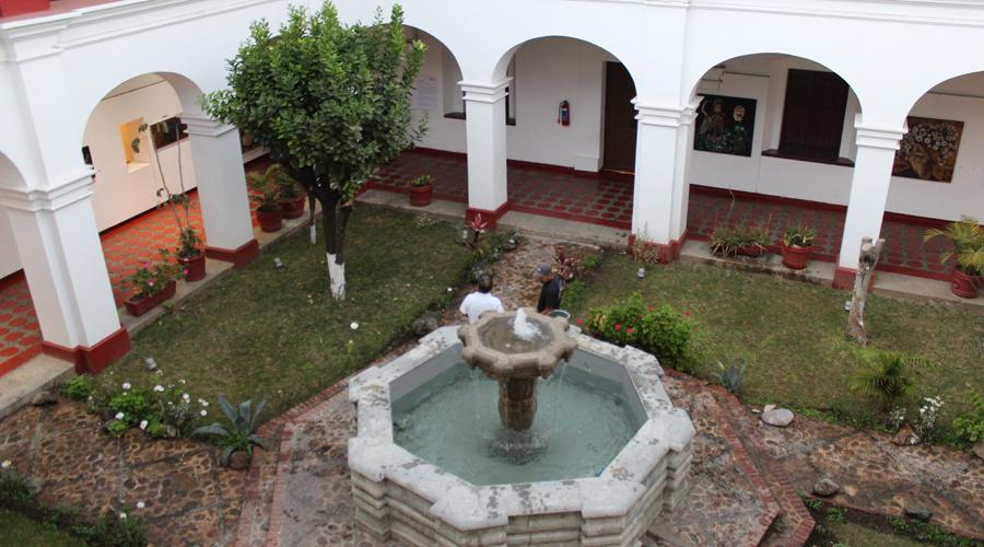 La Casa de la Cultura Oaxaqueña no cierra ni pasa a particulares | El Imparcial de Oaxaca