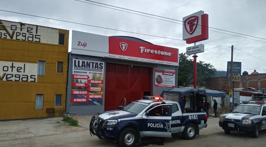 Asaltan a llantera en San Jacinto Amilpas, se llevan más de un millón de pesos