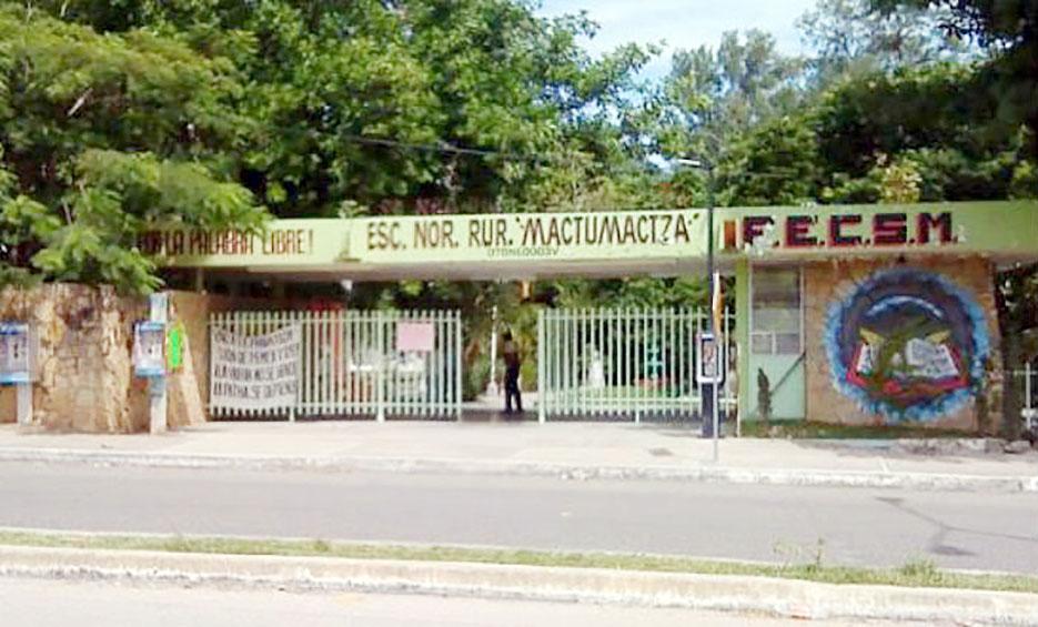 Normalista sangra de la garganta tras ser obligada a gritar consignas contra el gobierno   El Imparcial de Oaxaca