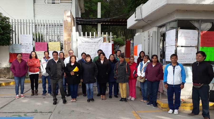 Protestan docentes del Conalep 145 en la Mixteca de Oaxaca