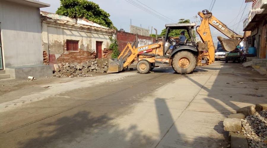 Retiran escombro de la reconstrucción de San Blas Atempa, Oaxaca
