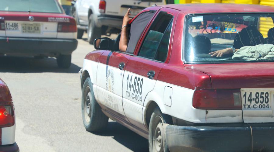 Celebran taxistas oaxaqueños entre anarquía