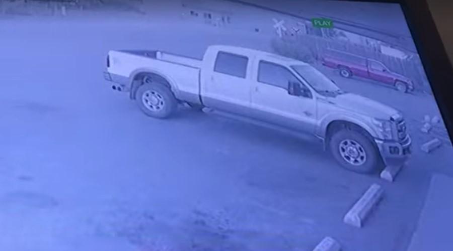 Video: Ladrón entra a robar tienda y al salir le roban su vehículo | El Imparcial de Oaxaca