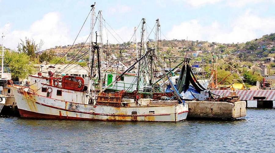 Sin recursos, sector pesquero de altamar