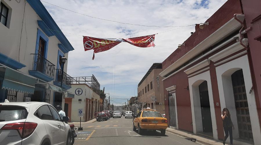 Vecinos se organizan para vigilar las principales calles de Oaxaca