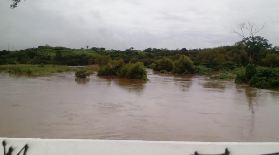 Lluvias desbordan río Malatengo en Matías Romero | El Imparcial de Oaxaca