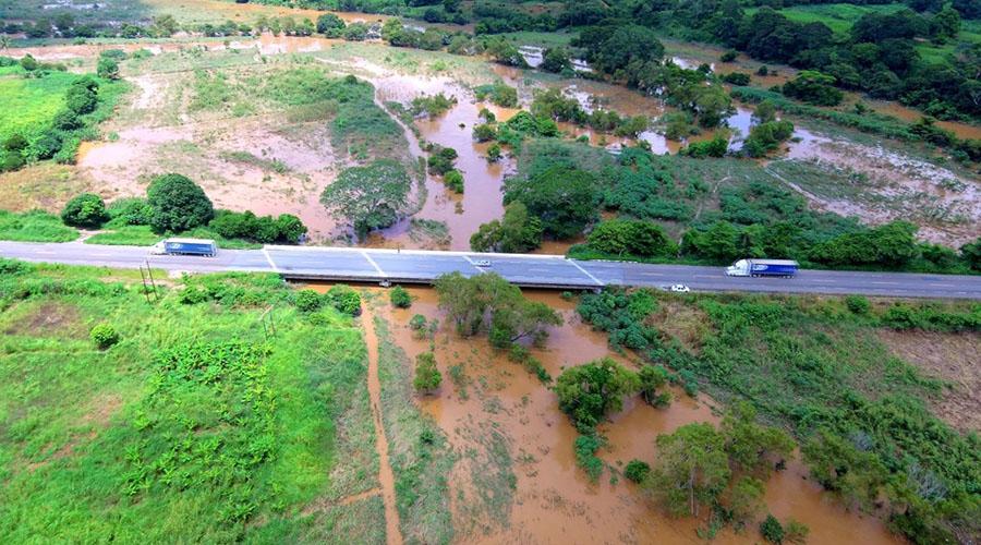Fuertes lluvias dejan severas afectaciones en Matías Romero