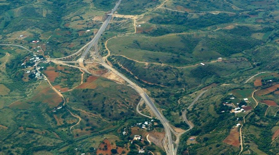Recorta AMLO 60 por ciento a carreteras oaxaqueñas