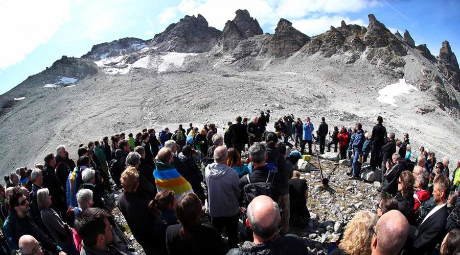 Realizan ceremonia funeraria, por muerte de glaciar en Suiza | El Imparcial de Oaxaca
