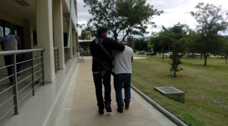 Expolicía de la AEI acusado de extorsión | El Imparcial de Oaxaca