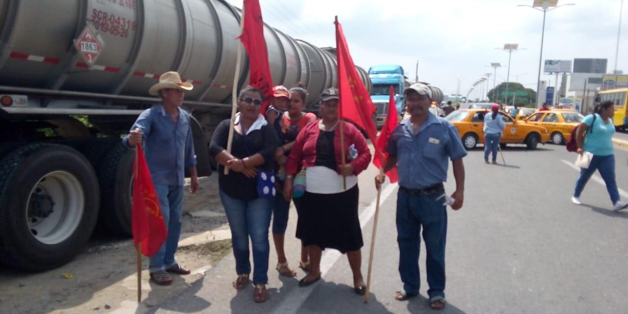 Con bloqueos, organización Sol Rojo clama justicia en el Istmo