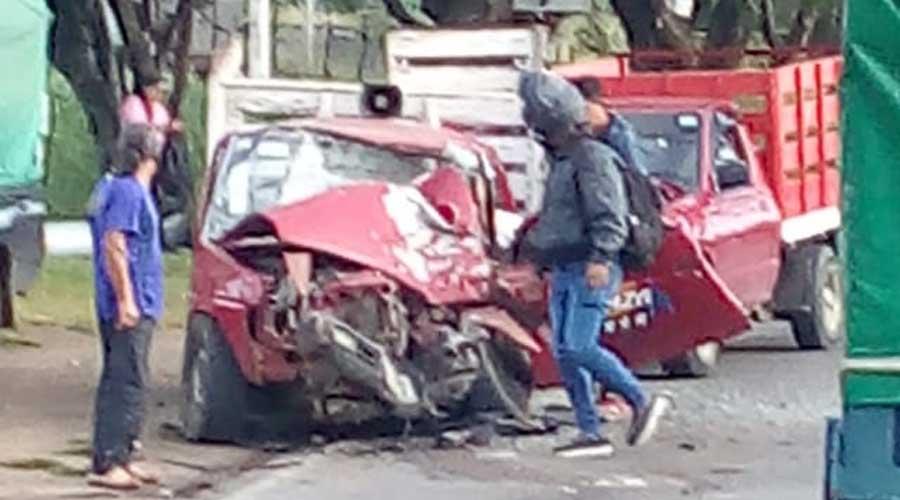 Violento percance vial, entre tres unidades en San Pablo Huixtepec   El Imparcial de Oaxaca
