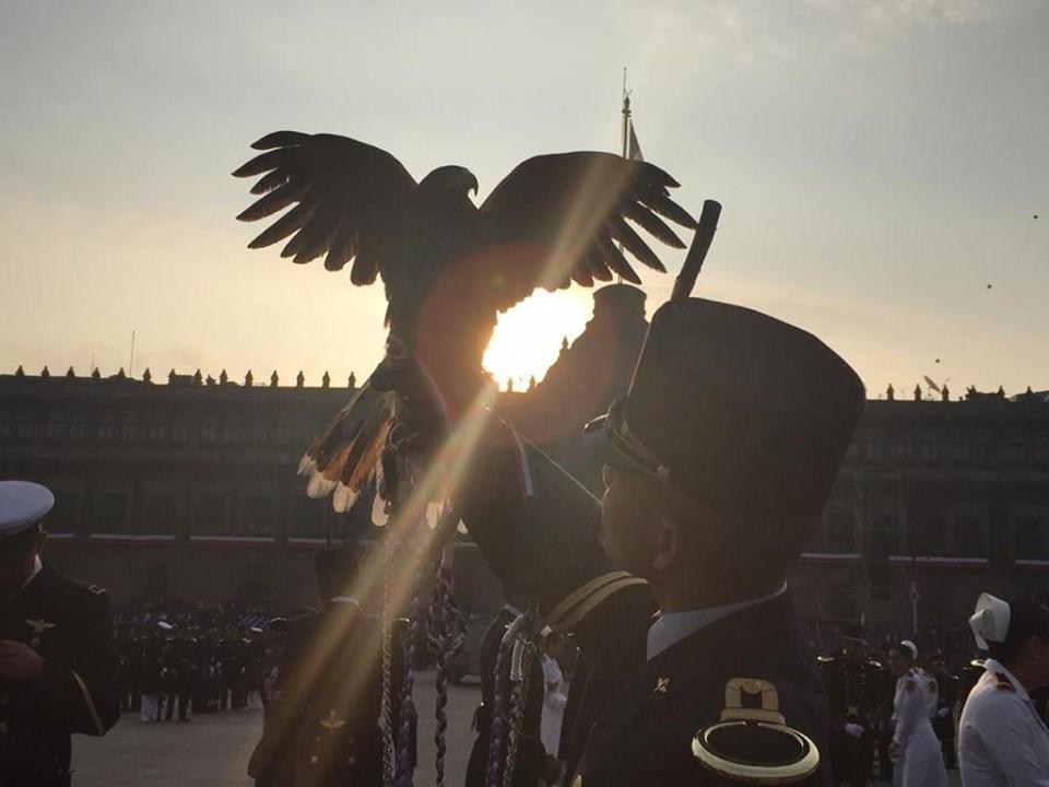 Encabeza Andrés Manuel López Obrador su primer Desfile Militar