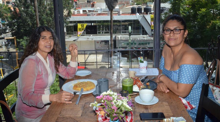 Amistoso encuentro de amigas | El Imparcial de Oaxaca