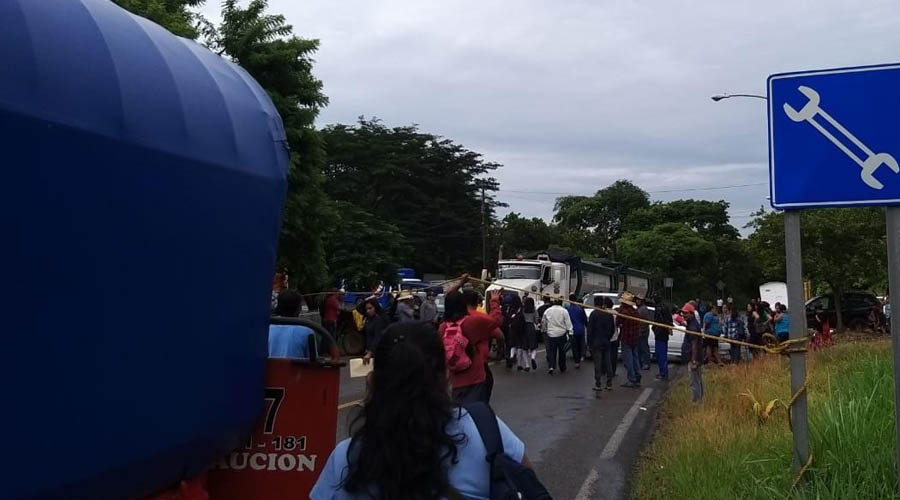 Bloqueo carretero en Las Flores | El Imparcial de Oaxaca
