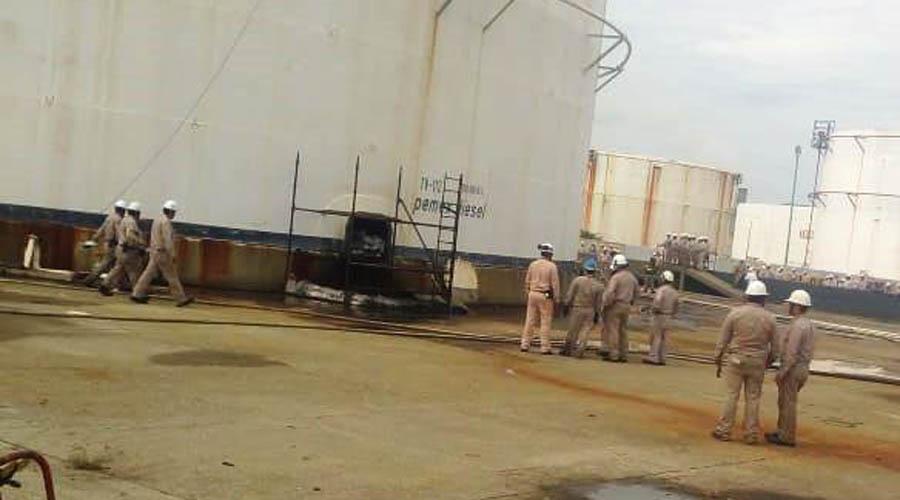 """Controlan conato de incendio en Refinería """"Antonio Dovalí Jaime""""   El Imparcial de Oaxaca"""