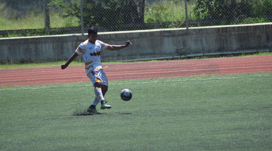Chapus arrancan goleando en Copa Universitaria