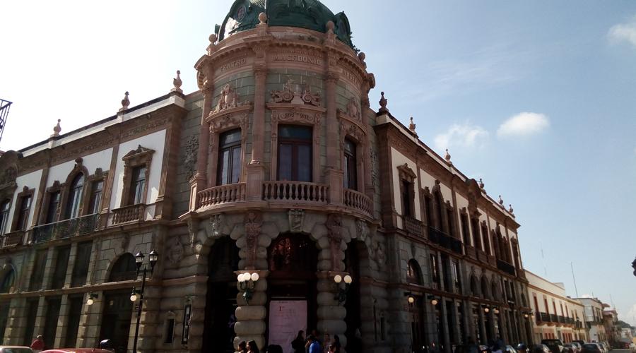 Cumple 110 años el Teatro Macedonio Alcalá