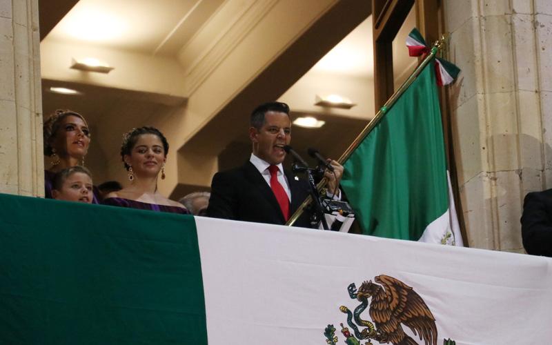 Celebran el fervor patrio en Oaxaca