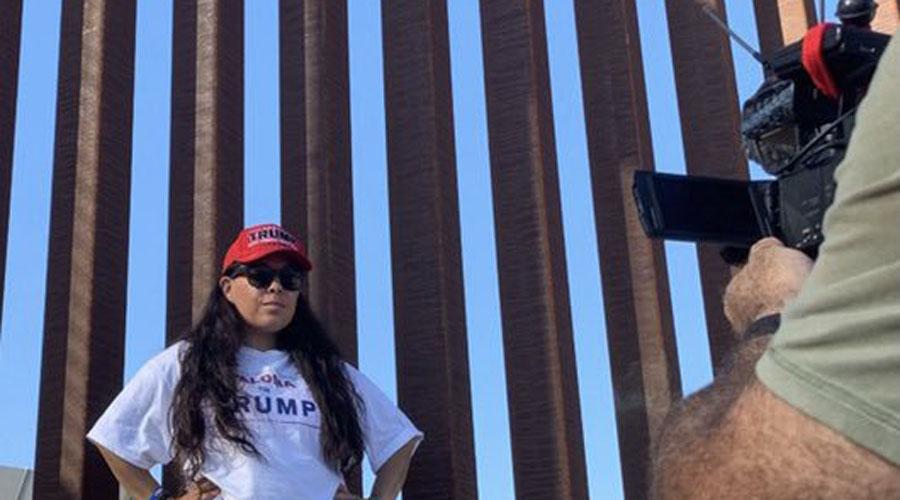 VIDEO Mexicana corre a migrantes de EU