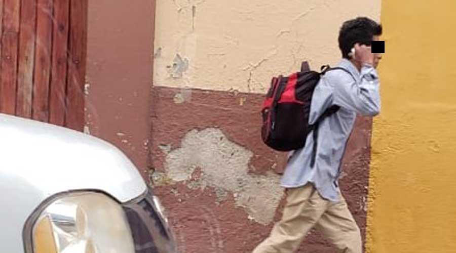 Vecinos de la calle Zaragoza evitan cristalazo a auto | El Imparcial de Oaxaca