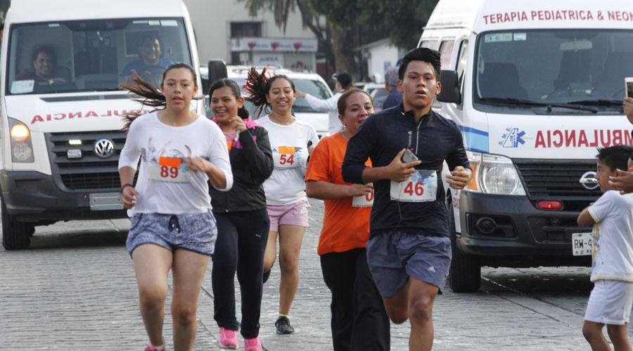 Deportistas en apoyo a la Cruz Roja