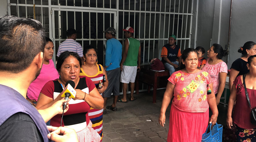 Traslado de 182 reos molesta a familiares en Juchitán