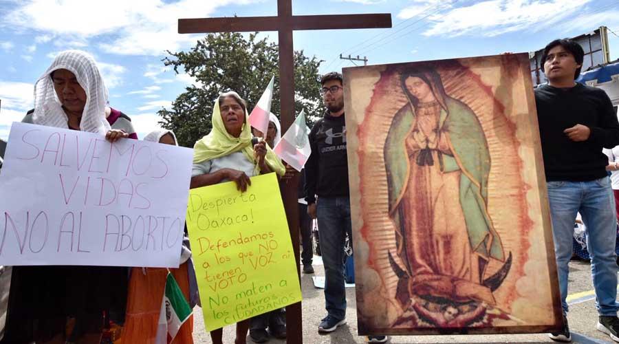 Protestan con imágenes religiosas en Congreso Local de Oaxaca | El Imparcial de Oaxaca