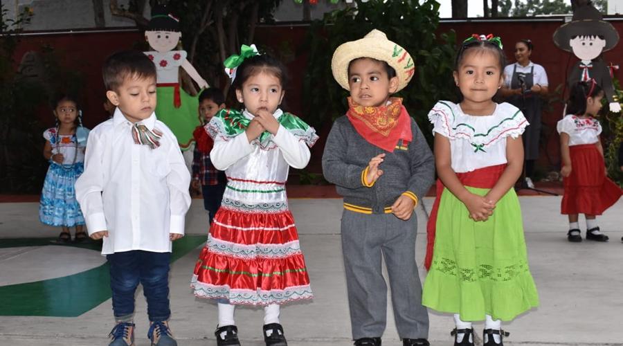 Alumnos del Colegio Educativo de Antequera celebran La Independencia